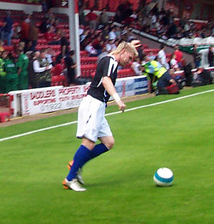 Garry O'Connor - O'Connor warms up before a 2007 friendly against Walsall at the Bescot Stadium.