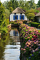 Giethoorn Netherlands Channels-and-houses-of-Giethoorn-12.jpg