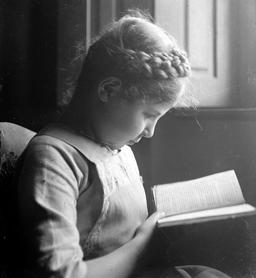 Girl, reading, book Fortepan 5355