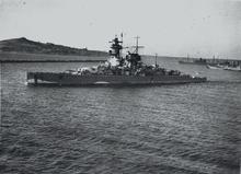 Admiral Graf Spee 1/350  220px-Graf_Spee_in_Montevideo