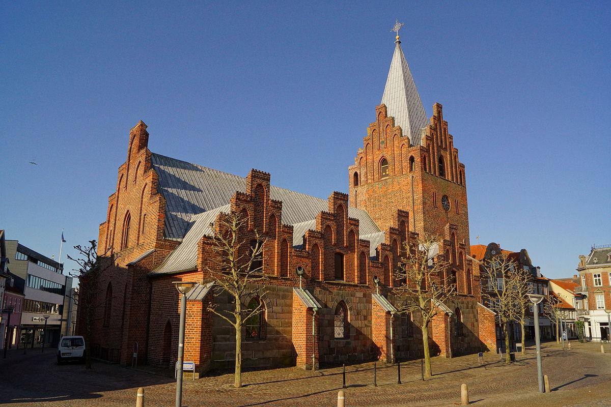 Grenå Kirke.JPG