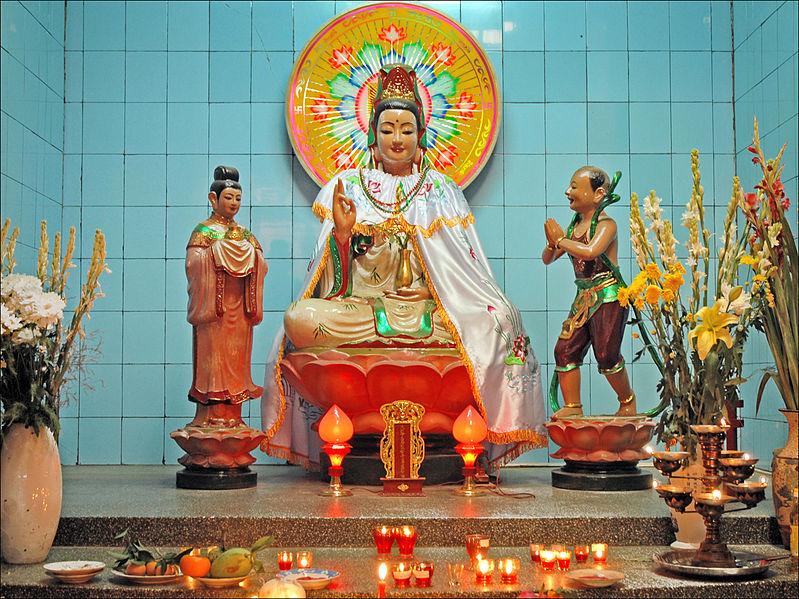 File:Guan Yin dans le temple d'Ông (Can Tho, Vietnam).jpg