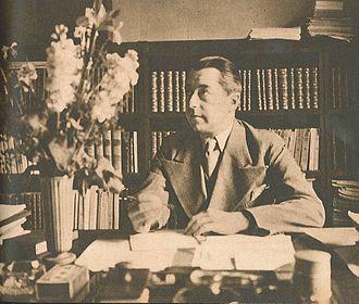 Hjalmar Gullberg - Hjalmar Gullberg at his writing desk in the early 1940s.