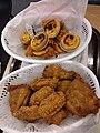 HK 上環 Sheung Wan 信德中心 Shun Tak Centre mall shop 肯德基 KFC Restaurant food egg tarts n chicken meat plastic baskets August 2019 SSG 04.jpg