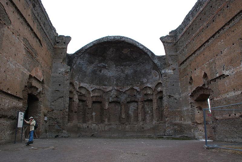 File:Hadrian's villa near Tivoli 375.JPG