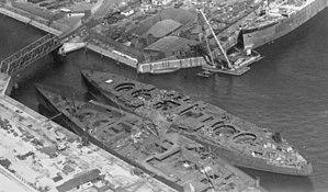 Bayern-class battleship - Image: Hamburg port NARA 68155073 (cropped)
