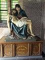 Handel (Gemert-Bakel) Kerk OLV ten Hemelopneming pieta in portaal.JPG
