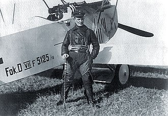 Fokker D.VII - Hermann Göring, commander of Jagdgeschwader 1, beside his Fokker D.VII 5125/18. He holds a walking stick previously owned by Manfred von Richthofen