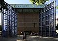 Herz-Jesu-Kirche München – Offenes Tor 01.jpg