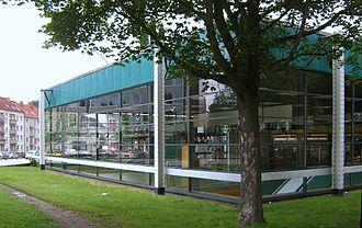 Schlump (Hamburg U-Bahn station) - The station's 1968-rebuilt entrance building on surface