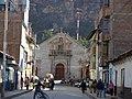 Huancavelica, calle comercial de una ciudad minera (mercurio) - panoramio.jpg