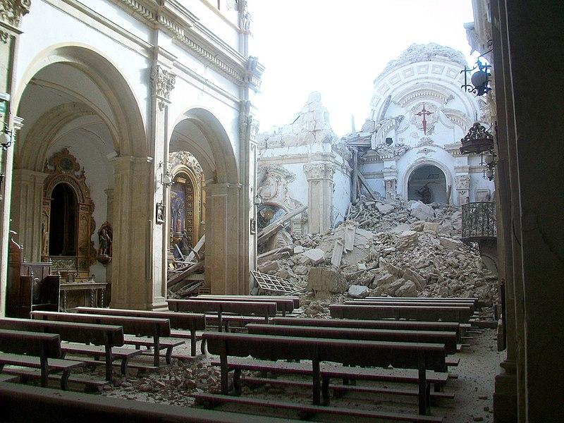 800px Hundimiento de la iglesia de Santiago tras el terremoto de Lorca E: Spanish Diaconia collects for Lorca earthquake victims