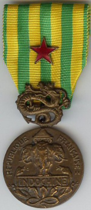 Medal for the War Wounded - Image: Indochine insigne des blessés France AVERS