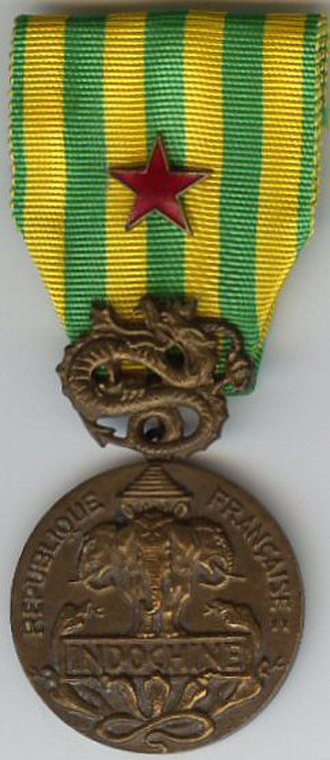 Indochina Campaign commemorative medal - Image: Indochine insigne des blessés France AVERS