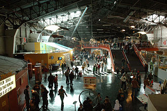 Exploratorium - Exploratorium's main floor, in its original Palace of Fine Arts location (2009)