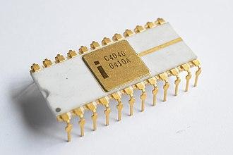 Intel 4040 - The ceramic C4040 variant.