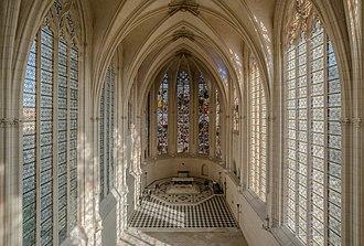 Sainte-Chapelle de Vincennes - Image: Interior of Sainte Chapelle, Vincennes 140308 1
