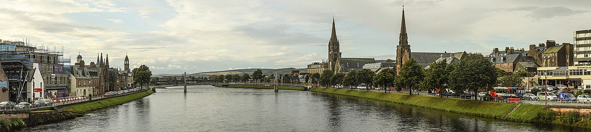 Panorama of Inverness looking downstream to the Greig St Bridge with Huntly Street (left), the River Ness and Bank Street (right) Inverness-pano.jpg