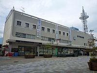 JR Iyo-Saijo Station 20150503 (17302800270).jpg