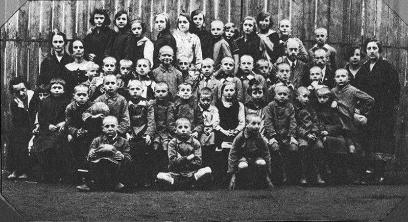 Korczak et ses enfants orphelins.