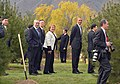 Jefa de Estado participó en la ceremonia de plantación de árboles (15763420901).jpg