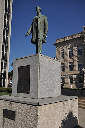 Lincoln Statue (Jefferson, Iowa) - Image: Jefferson IA Lincoln Statue