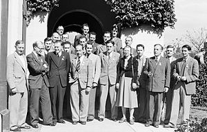 Ruby Payne-Scott - Participants in the International Union of Radio Science conference at the University of Sydney (1952). Payne-Scott is in the front row.