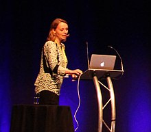 Jo Dunkley delivers plenary lecture (19566551321) (cropped).jpg