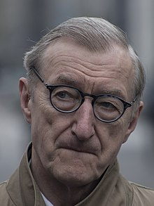 Julian Barnes in 2019 02 (cropped).jpg