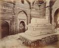 KITLV 92003 - Samuel Bourne - Shams-ud-Din Iltutmish tomb in Delhi India - Around 1860.tif