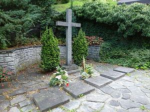 Friedrich Christian, Margrave of Meissen - Grave site of the House of Wettin, outside the Royal Chapel in Königskapelle in Karrösten in North Tyrol