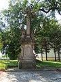 Kelč, kříž u kostela sv. Petra a Pavla.JPG
