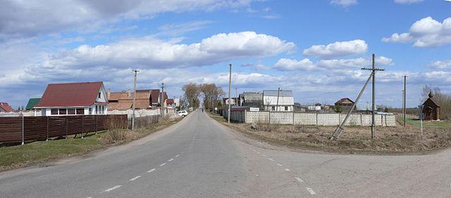 http://upload.wikimedia.org/wikipedia/commons/thumb/2/28/Khutyn.JPG/640px-Khutyn.JPG?uselang=ru