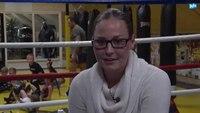 File:Kickbokster Jorina Baars voor de vierde keer wereldkampioen Caged Muay Thai.webm