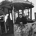 Kinderen spelen in een verwoeste tram, Bestanddeelnr 900-6391.jpg