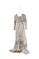 Klänning av ljust blågrå sidenchiffong. Tillhört Irma von Geijer - Hallwylska museet - 89262.tif
