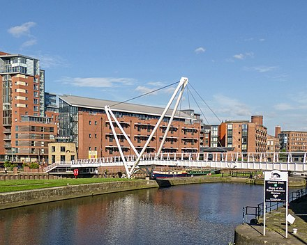 Knights Way Bridge at Leeds Dock over The River Aire, linking Leeds Dock with the East Bank Knight's Way Bridge (14221790918).jpg