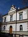 Kobylisy, Pod náměstím 1.jpg