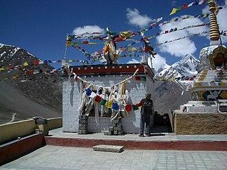 Kunzum Pass - Image: Kunzum Mata temple, Kunzum Pass