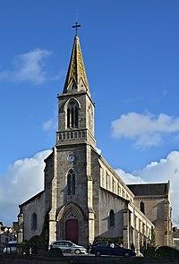 La Roche-Bernard 56 Église vue 2013.jpg