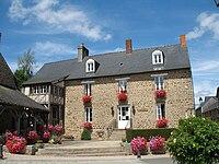 La Selle-en-Luitré - mairie.jpg