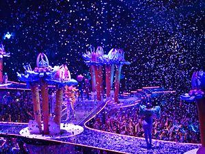 Venus (Lady Gaga song) - Image: Lady Gaga, ARTPOP Ball Tour, Bell Center, Montréal, 2 July 2014 (22) (14540160296)