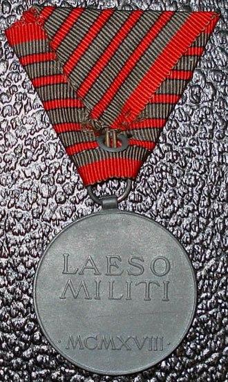 Wound Medal (Austria-Hungary) - Image: Laeso Militi Rev