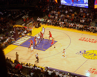 2008–09 Los Angeles Lakers season - Lakers in a home game vs. the Trail Blazers.