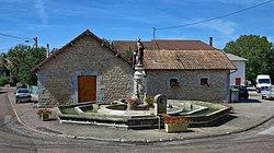 Lanans, lavoir-abreuvoir Saint Pierre.jpg