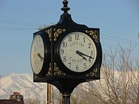 Layton station clock, Jan 16.jpg