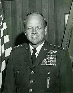 Lloyd R. Leavitt Jr. American Air Force lieutenant general