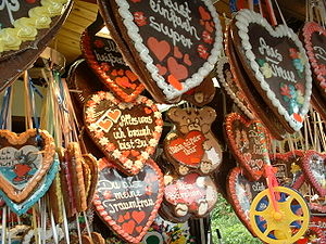 Lebkuchen - Lebkuchen hearts are sold at fairs