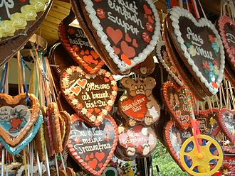 Lebkuchen - Lebkuchen hearts are sold at fairs