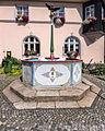 Lehesten Marktplatz Marktbrunnen.jpg